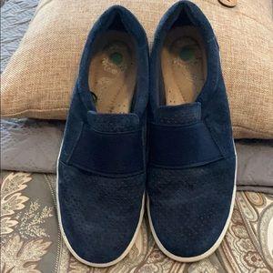 EUC women's leather slip on shoes